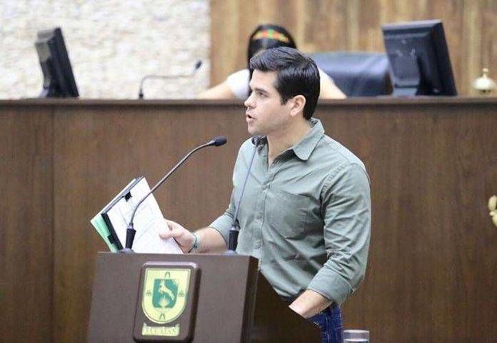 El diputado Enrique Febles Bauzá presentó ante el Congreso del Estado una iniciativa de ley de desarrollo forestal sustentable. (Cortesía)