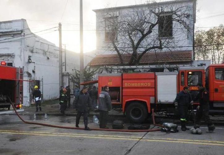 Imagen del lugar donde 7 personas murieron en el incendio de un hogar de ancianos, en Uruguay. (Francisco Flores/elpais.com.uy)