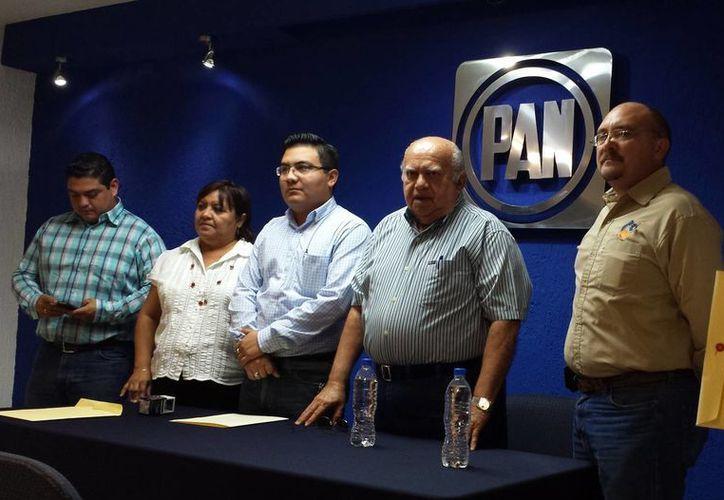 Benito Rosel Isaac (derecha) encabeza la Comisión Estatal Electoral. (Milenio Novedades)