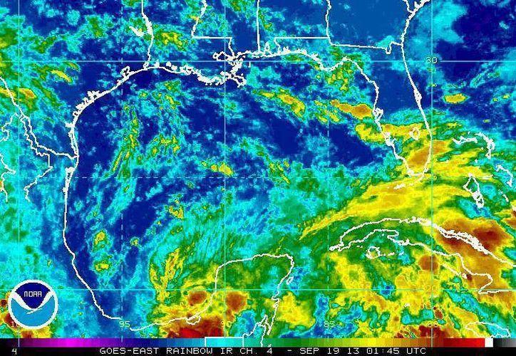 La zona de mal tiempo seguirá afectando la Península de Yucatán. (Conagua)