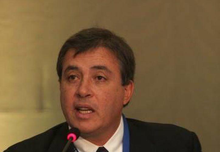 El presidente de la Comisión de Libertad de Prensa, Claudio Paolillo en desacuerdo con el agravio al periodista Yaco Martínez. (sipiapa.org)