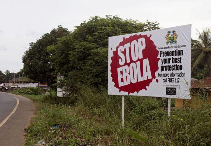 La OMS advierte que los casos de ébola son más de que los registrados oficialmente, y estima que una cantidad similar de enfermos no ha sido atendida. (AP)