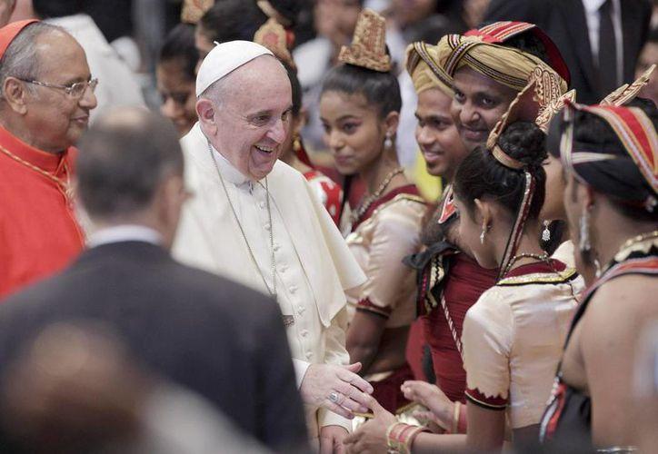 El Pontífice tuvo una audiencia en la Basílica de San Pedro con un grupo de peregrinos procedentes del estado asiático. (EFE)