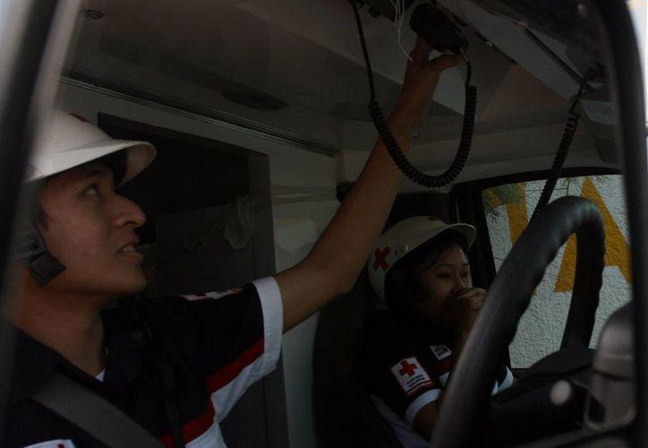Los paramédicos de la Cruz Roja se mantienen pendientes de las emergencias en Mérida. (Milenio Novedades)