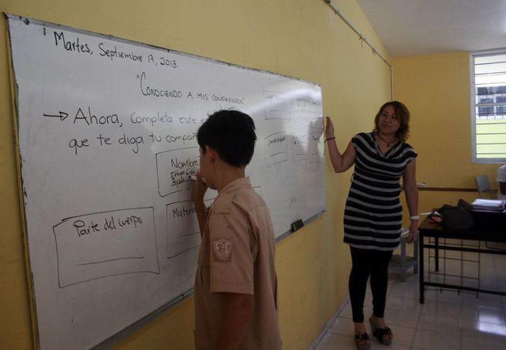 Incentivan a profesores para mejorar su enseñanza. (Milenio Novedades)