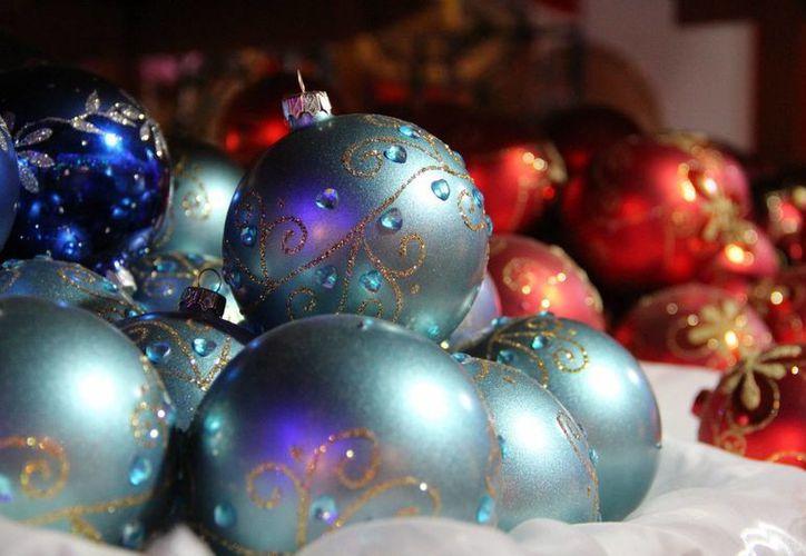 La calidad y belleza de las esferas producidas en Tlalpujahua son reconocidas a nivel internacional. (Notimex)