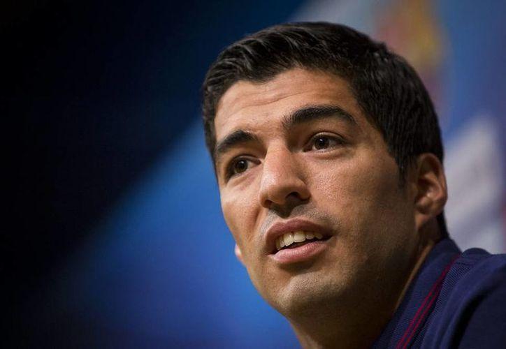 Luis Suárez no aparece en el listado de la platilla uruguaya que enfrentará en septiembre próximo a Japón y Corea del Sur. (Notimex)