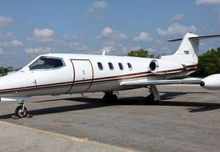 El accidente del Learjet 35 (como el de la imagen) ocurrió alrededor de las 20 horas. (Agencias)