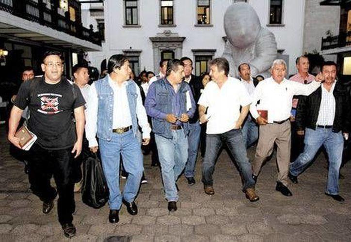 La reunión en Bucareli inició a las 14:30 horas y concluyó poco antes de las ocho de la noche, tras dos recesos. (Milenio)