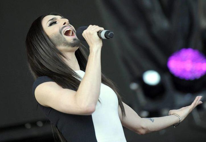 La ganadora de Eurovisión 2014, Conchita Wurst, será una de celebridades que dará el disparo inicial de la salida Orgullo 2014. (Archivo/EFE)