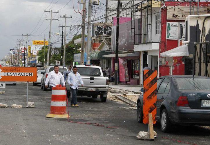 Los trabajos de ampliación de la avenida López Portillo han decrecido entre un 10 y 20 por ciento. (Tomás Álvarez/SIPSE)