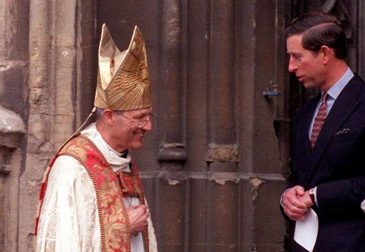 El ex obispo Peter Ball afirmaba ser un confidente del heredero al trono británico. (Internet)