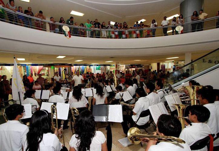 La Banda Infanto-Juvenil de Cozumel está integrada por 42 menores. (Cortesía/SIPSE)