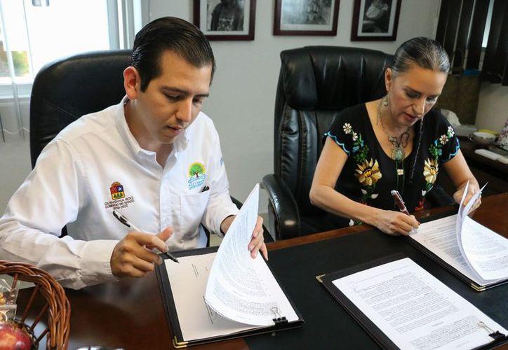 El convenio de apoyo a mujeres emprendedoras fue signado entre el Instituto Quintanarroense de la Juventud y la Comisión para el Desarrollo de los Pueblos Indígenas. (Cortesía)