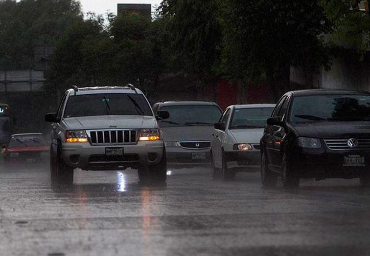 Conagua dice que el fenómeno de El Niño puede provocar lluvias más intensas en todo el país, por lo que llamó a la población a estar alerta. (excelsior.com.mx)