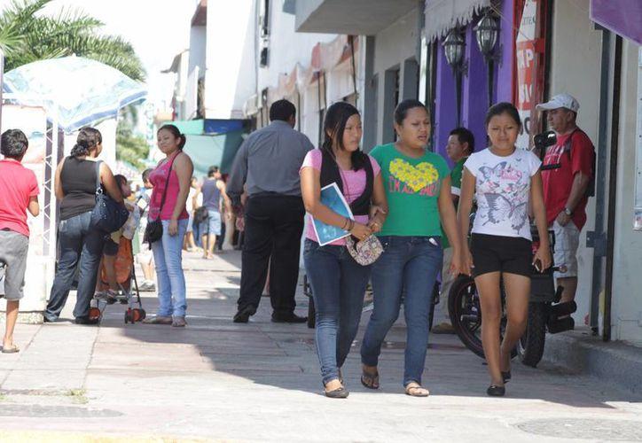 Se han acercado a los centros de atención en busca de trabajo, alrededor de 7 mil 300 personas. (Harold Alcocer/SIPSE)