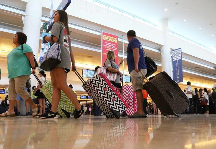 Disminuye el arribo de turismo a este destino debido a la afectación al tráfico aéreo. (Luis Soto/SIPSE)