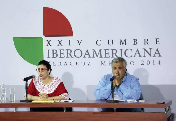 La subsecretaria para América Latina y el Caribe de la Secretaría de Relaciones Exteriores (SRE), Vanesa Rubio (i), dijo que se escogieron tres áreas para tratar en la Cumbre Iberoamericana: educación, cultura e innovación. (Notimex)