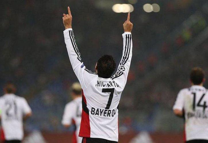 De visita, Bayer Leverkusen derrotó 3-1 al Eintracht Frankfurt, con doblete de 'Chicharito' Hernández (foto). (Facebook/Bayer Leverkusen)