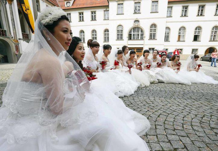 La norma sobre el matrimonio solo con hombres de China, entrará en vigor a comienzos de 2018. (baltimoresun.com)