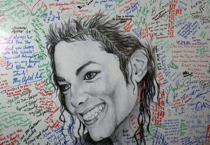 Imagen de Archivo de un mural en homenaje al cantante estadounidense Michael Jackson. (Archivo/EFE)