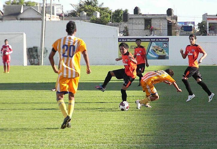 Inician las acciones de la jornada 16 de la temporada. (Ángel Mazariego/SIPSE)