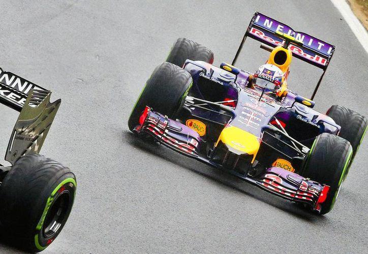 Ricciardo completó el circuito húngaro en en una hora, 53 minutos, cinco segundos y 58 milésimas. (EFE)