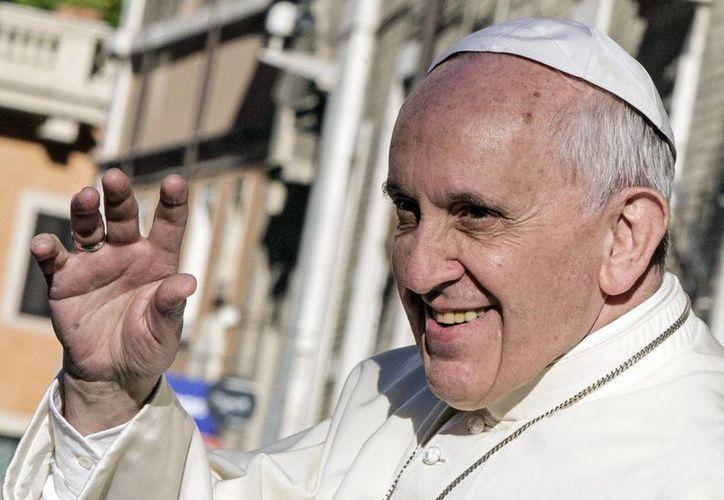 El Papa Francisco recibió una carta de madres biológicas y espirituales que le piden declarar obligatorio el celibato en sacerdotes. (EFE/Archivo)