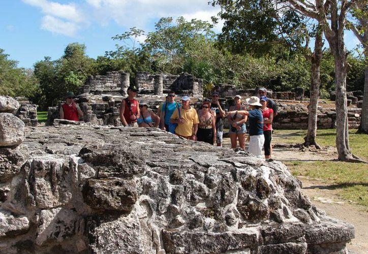 Los guías refuerzan sus conocimientos para turismo. (Gustavo  Villegas/SIPSE)