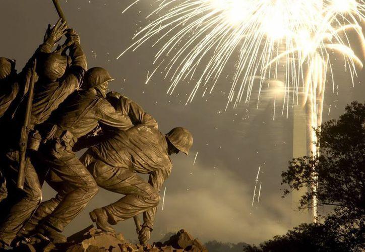 El escultor se inspiró en la icónica fotografía tomada el 23 de febrero de 1945 por el fotógrafo Joe Rosenthal.  (EFE)