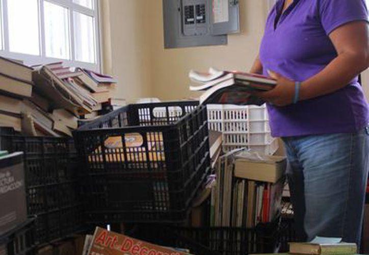 El acervo con el que se cuenta actualmente es de mil 200 libros y se busca aumentarlo con el apoyo de los vecinos de la localidad. (Redacción/SIPSE)