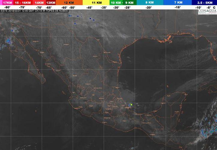 El sistema frontal No. 38, se extenderá sobre la Península de Yucatán. (Conagua)
