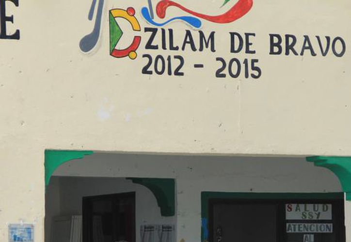 El poblado Dzilam Bravo resultó severamente afectado por el norte provocado por el frente frío no. 14. (Milenio Novedades)
