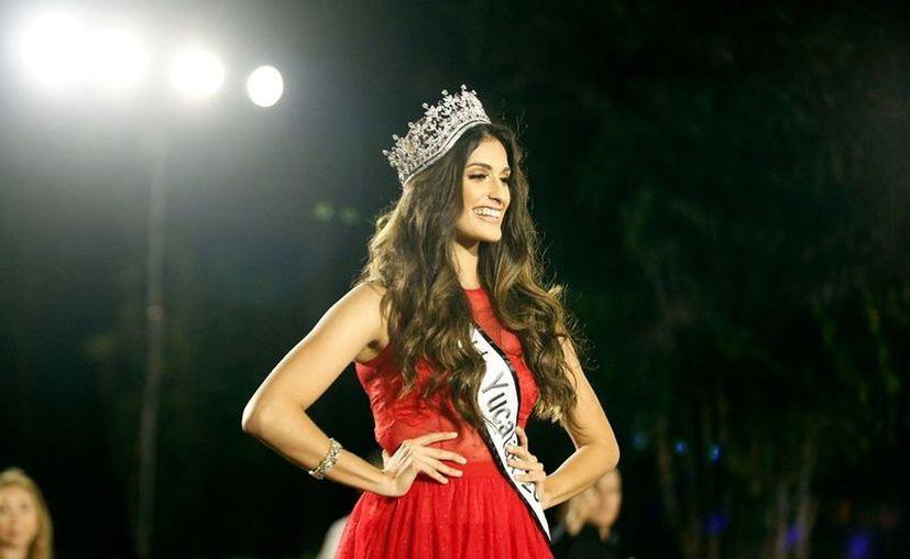 María Eugenia Nava del Río representará a Yucatán en el certamen de belleza.(Fotos: Jorge Acosta)