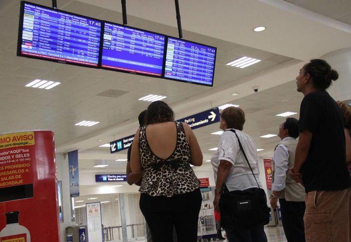 Los vuelos hacía Cuba que las aerolíneas pongan a disposición serán la clave para el éxito del multidestino. (Victoria González/SIPSE)