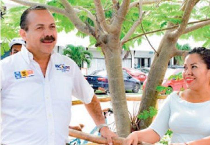 El candidato Julián Ricalde Magaña realizó una jornada más de su campaña rumbo al Senado de la República. (Redacción)