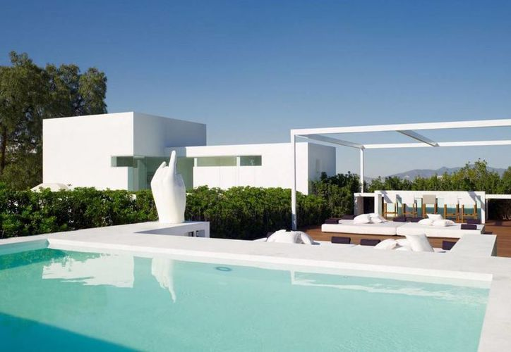 Imagen de la casa privada de Peña Nieto valuada en siete millones de dólares y situada en la zona residencial más exclusiva de la Ciudad de México. (Proceso)