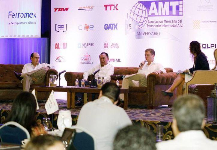 Ayer concluyó el Congreso de Transporte Intermodal 2014, organizado por la AMTI en el marco de los 15 años de su fundación. (Christian Ayala/SIPSE)