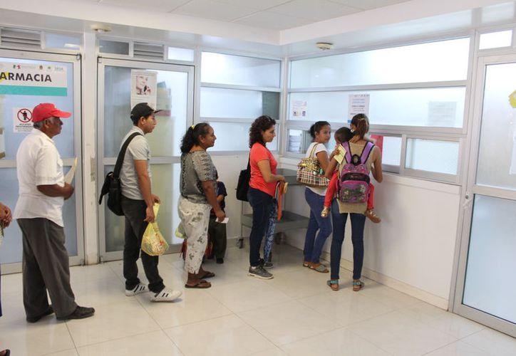 Las personas que no sean derechohabientes de la seguridad social del IMSS, Issste, Sedena, y Pemex, gozarán de este beneficio. (Joel Zamora/SIPSE)