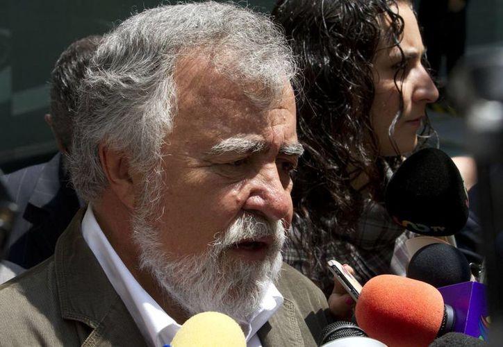 Alejandro Encinas asegura que los informes que ha dado la PGR sobre el caso Iguala son insuficientes. (Archivo/Notimex)