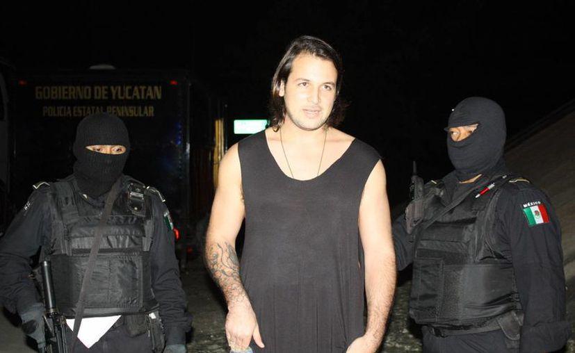 El Italiano Alessandro Mogarelli Oliveras al ser detenido. (Martín González/SIPSE)