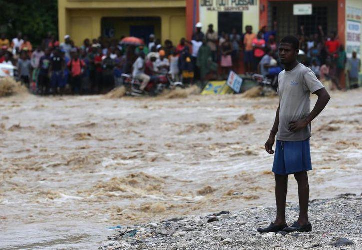 La autoridad electoral haitiana aplazó sin fecha la realización de las elecciones presidenciales debido a los daños que causón en el país el huracán Matthew. (EFE)