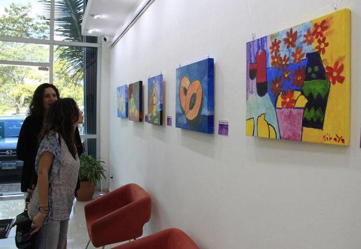 En dos días, más de 100 personas han visitado la exposición en las instalaciones de la Fundación Olympus Tours.(Tomás Álvarez/SIPSE)