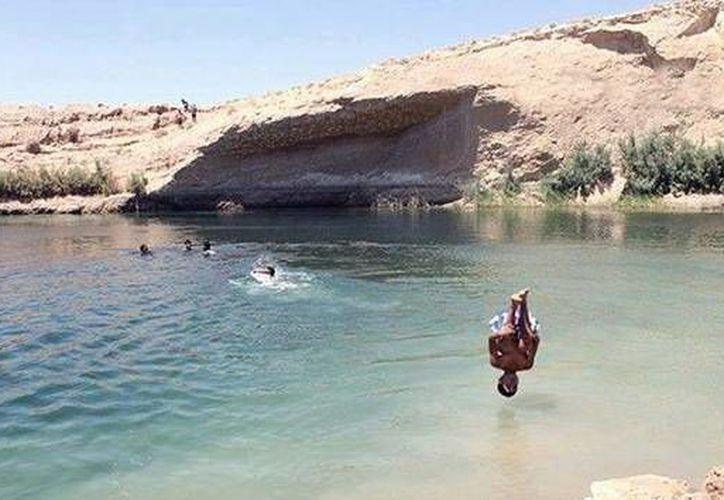 El lago fue descubierto por unos pastores a unos 25 kilómetros de la ciudad de Gafsa. (RT)