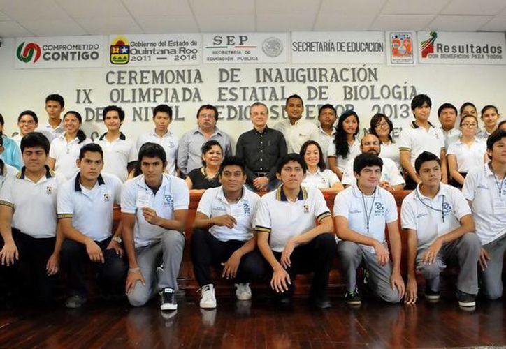 En total participan en la segunda fase de la IX Olimpiada 30 alumnos con los mejores promedios. (Redacción/SIPSE)