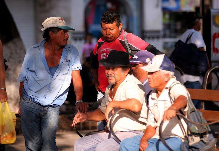 Los migrantes apoyan con obras a sus paisanos. (Milenio Novedades)