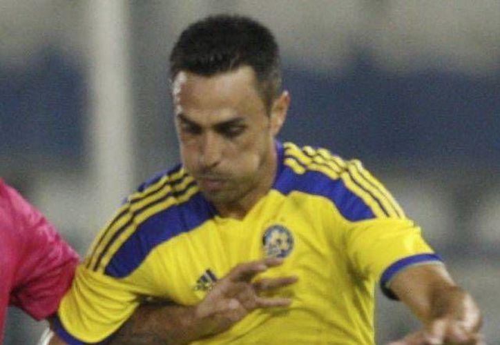 Eran Zahavi, del Maccabi Tel Aviv, asegura que únicamente trató de defenderse de las agresiones de un aficionado. (EFE/Archivo)