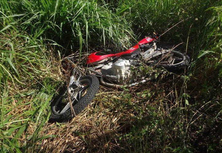 Un menor de edad falleció tras accidentarse al conducir una motocicleta en estado inconveniente. (Javier Ortiz/SIPSE)