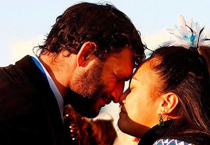 Las muestras de amor son muy diferentes a lo largo del mundo, al grado que hay lugares en donde no se dan besos. (Foto de contexto/actualidad.rt)