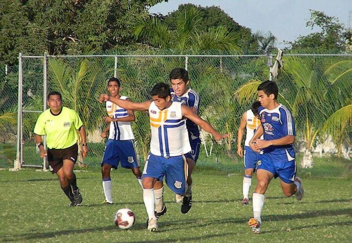 Pioneros de Cancún es líder de la competencia con siete unidades y ocho goles a favor. (Redacción/SIPSE)
